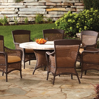 Removing Mildew From Your Outdoor Patio Furniture
